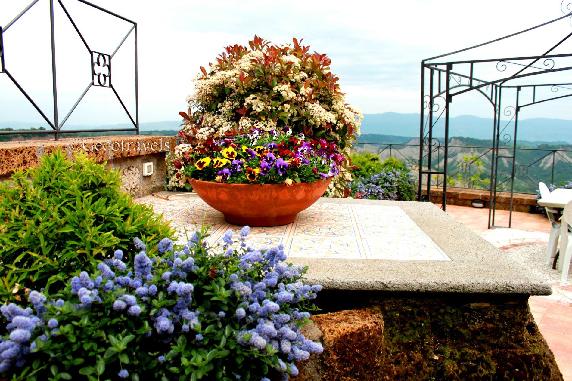 terrazza con fiori