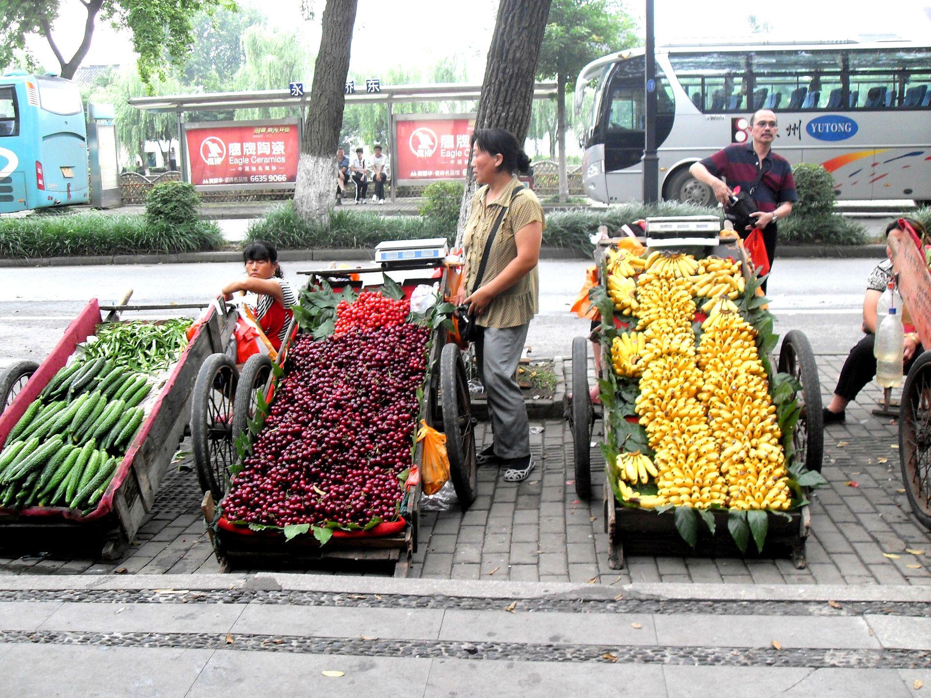 carretti di frutta cinesi