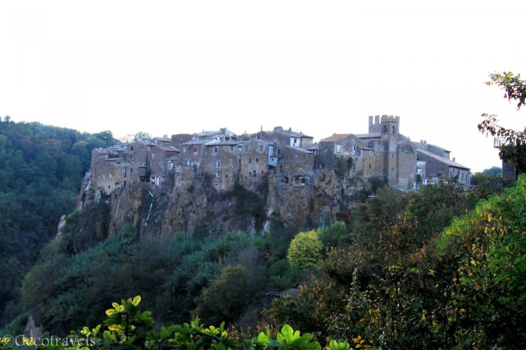 Calcata: borgo antico e città hippy