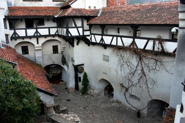cortile castello di Dracula