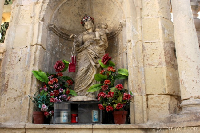 statura religiosa a Malta