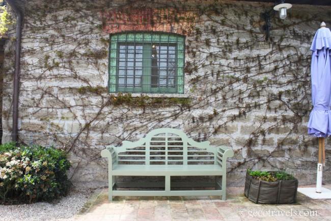 muro con panchina