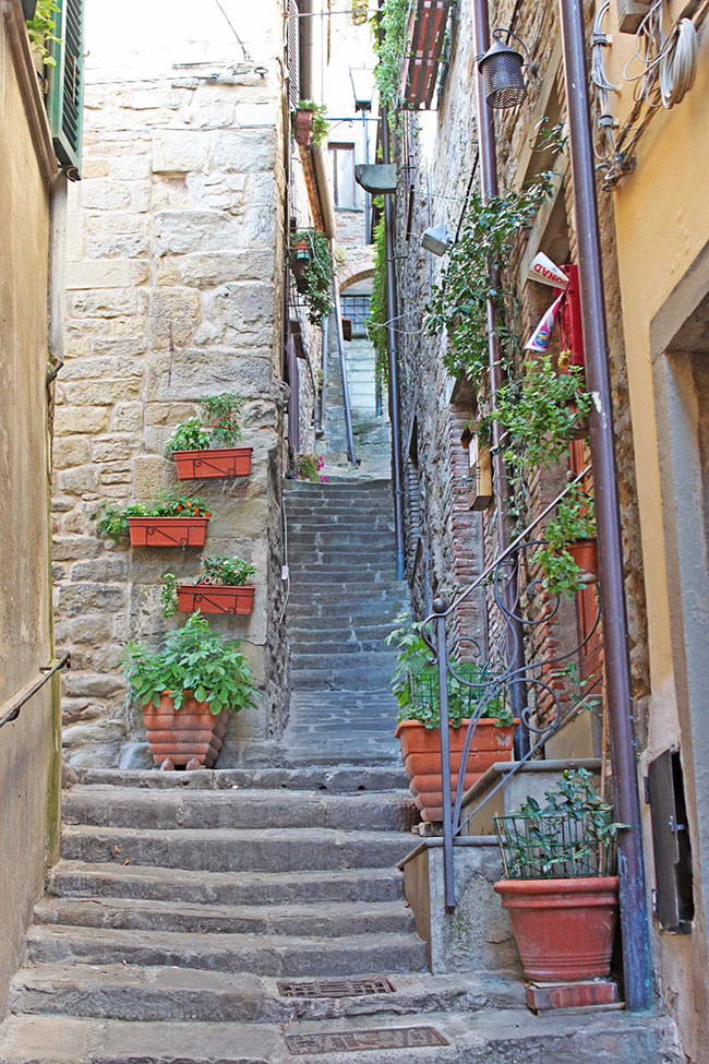 vicolo a Cortona