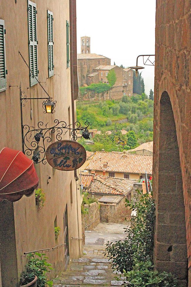 vicolo Montalcino