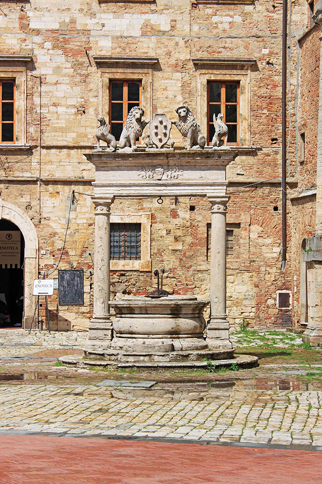 fontana Montepulciano