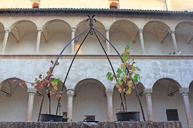 cortile del castello di Torrechiara