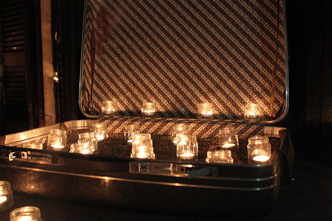 lumini dentro valigia