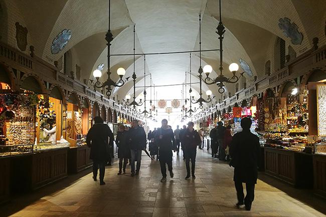 Cracovia-cosa-vedere-in-3-giorni-palazzo-del-tessuto
