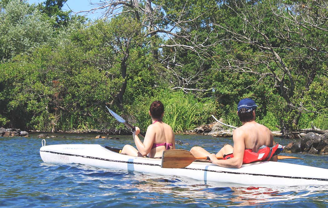 ecoturisti in canoa
