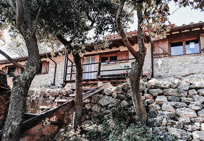 casa della meditazione nel bosco